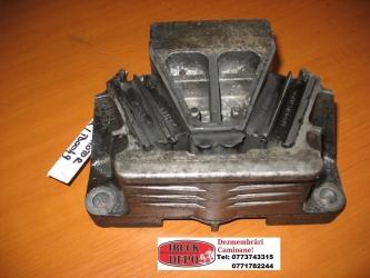 dezmembrari camion Suport - tampon motor MB Axor 18.35