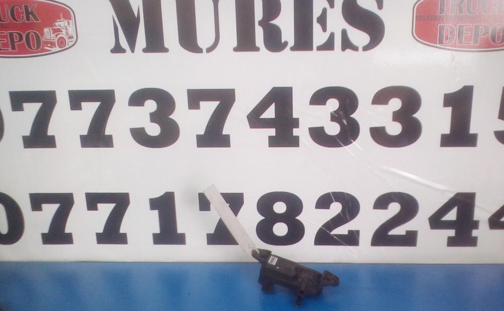 dezmembrari camion Senzor presiune Mercedes Benz Atego
