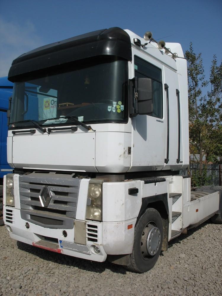dezmembrari camion Renault Magnum AE440