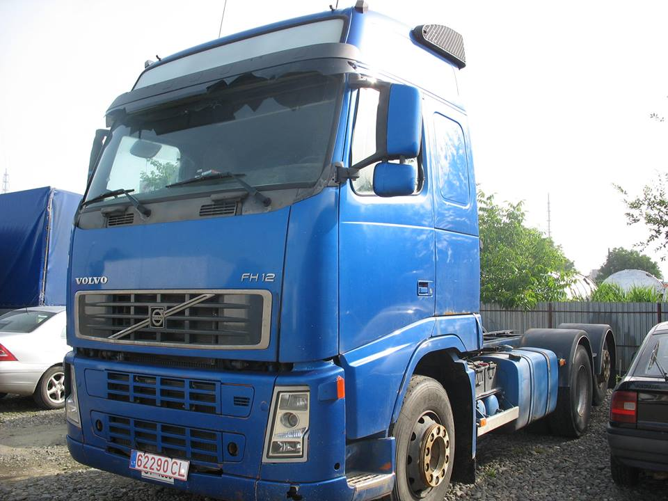 dezmembrari camion Volvo FH12