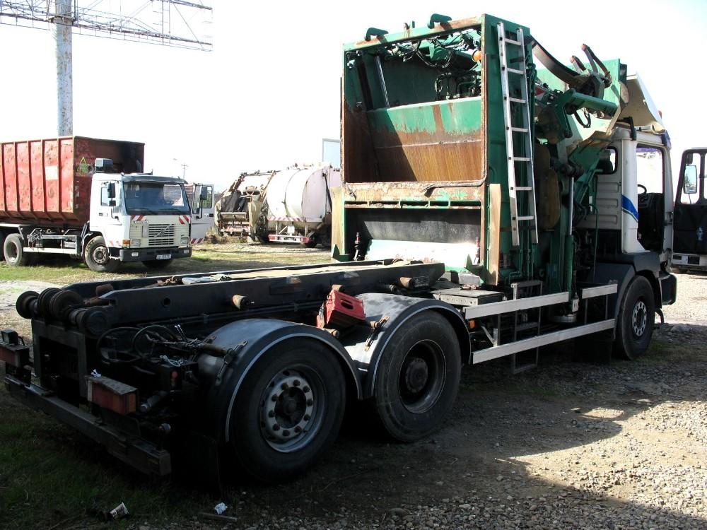 dezmembrari camion  MAN 26.314 6x2 F2001 v